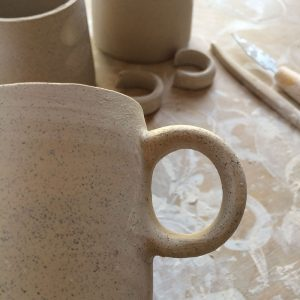 attaching handle to ceramic cup
