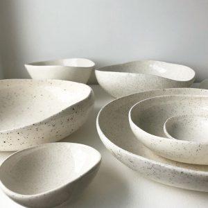 Makara-bowls-pause