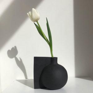 One-story-vase